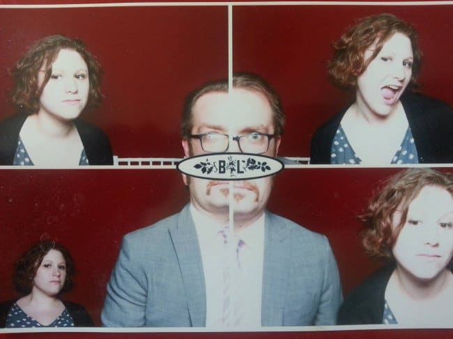 photobooth-at-a-wedding-that-take-4-pictures-in-a-row