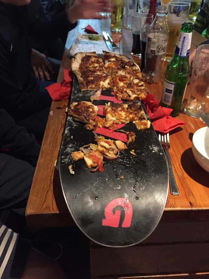 snowboard-used-a-pizza-plate-annoying-photos