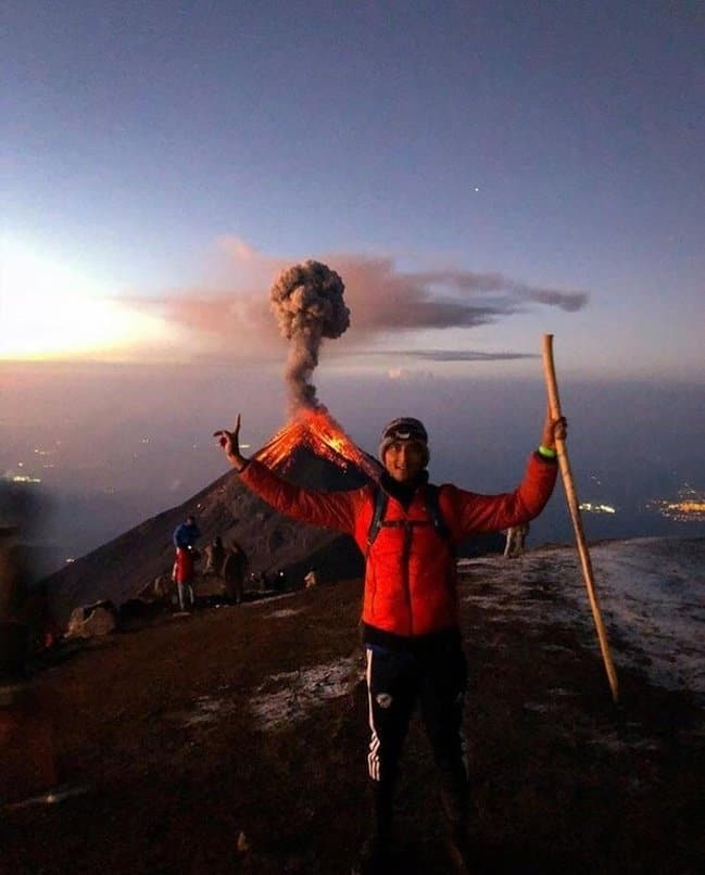 volcano-eruption-photobomb-photos-captured-before-disaster-struck