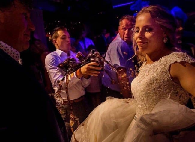 waiter-spills-drinks-on-wedding-dress