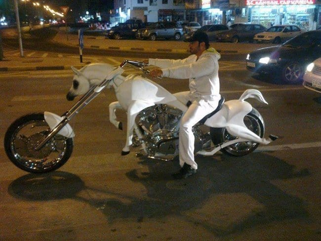 white-horse-motorcycle-surprising-products-of-wild-imagination