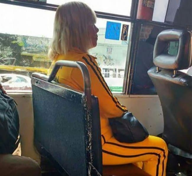woman-wearing-kill-bill-costume-closely-resemble-famous-people