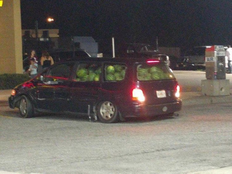 car-full-of-watermelons-hilariously-bad-situations