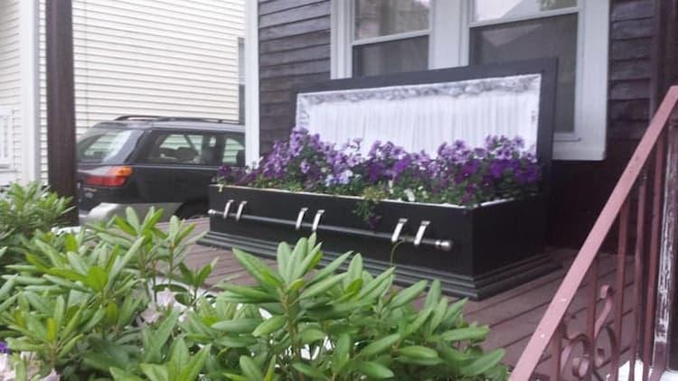 coffin-garden-spine-chilling-photos