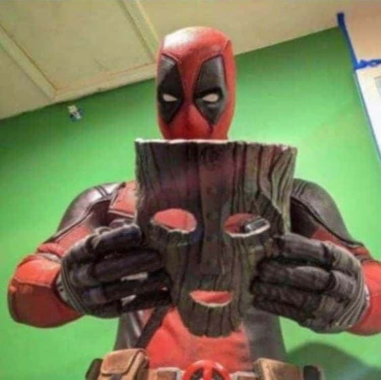 deadpool-wearing-the-mask-hilariously-bad-situations