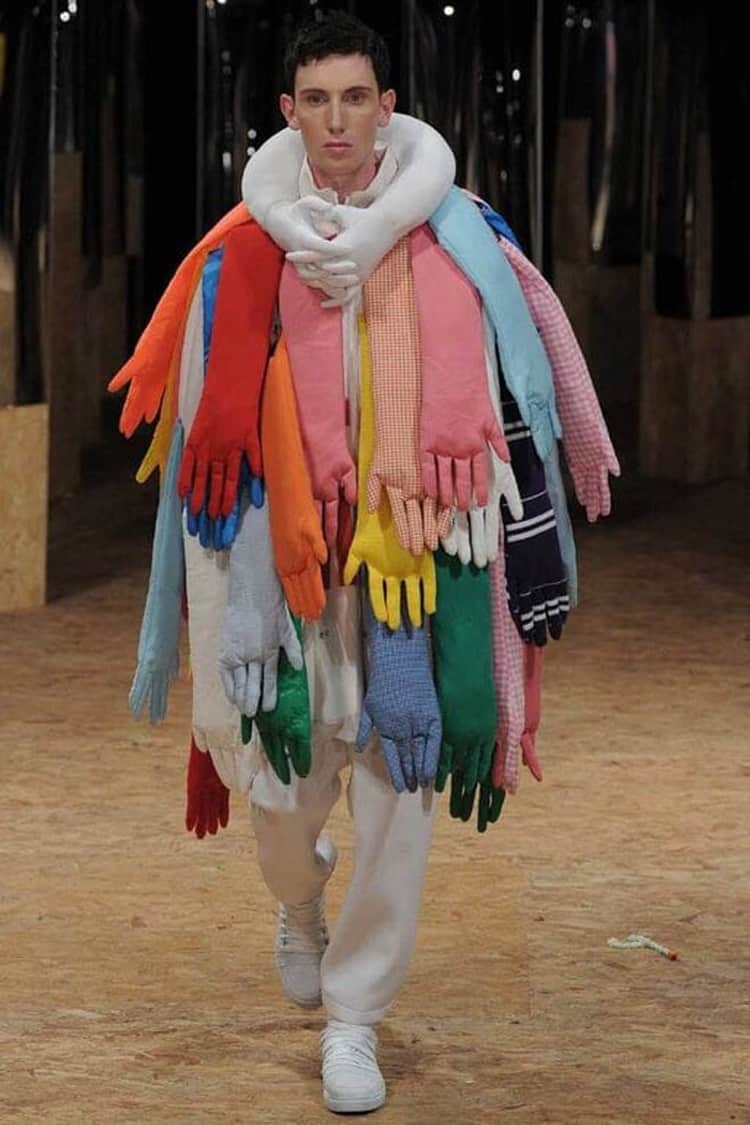 gloves-scarf-nonsensical-photos