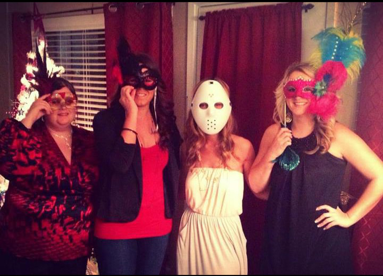 masquerade-party-jason-mask-carefree-people