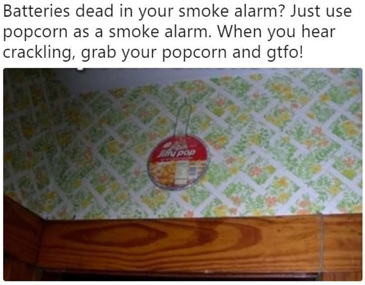 microwave-popcorn-as-smoke-alarm-funny-life-hacks