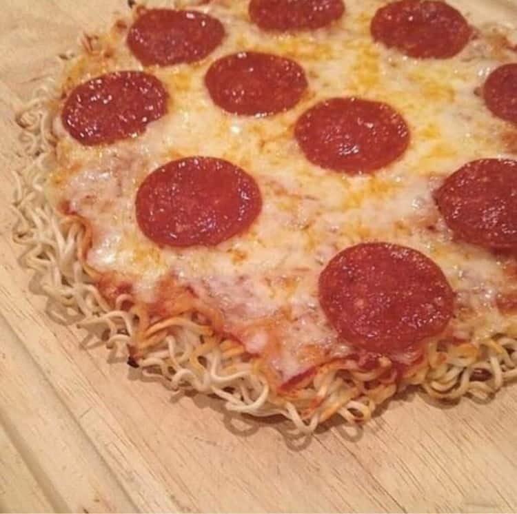 pizza-crust-made-from-noodles-uncanny-people