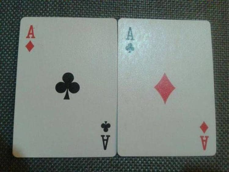 playing-card-interchanged-symbols-hilariously-unnecessary-things