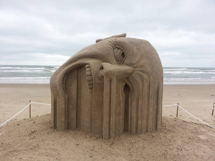 sand-sculpture-looks-melting-psychedelic-images