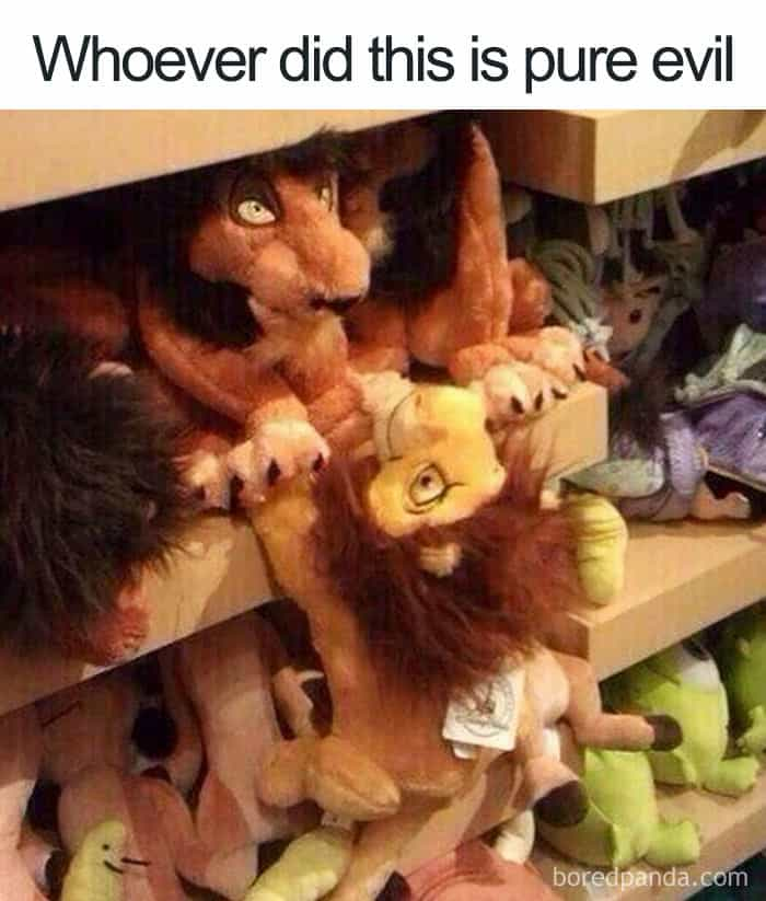 scar-mufasa-iconic-scene-toys-hilarious-disney-jokes