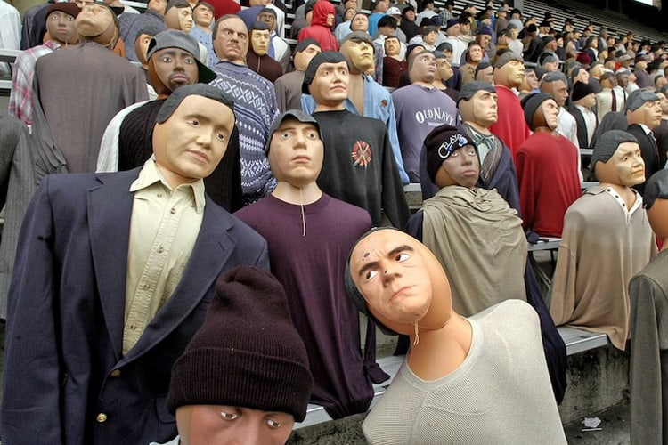 spectators-are-mannequins-bizarre-things