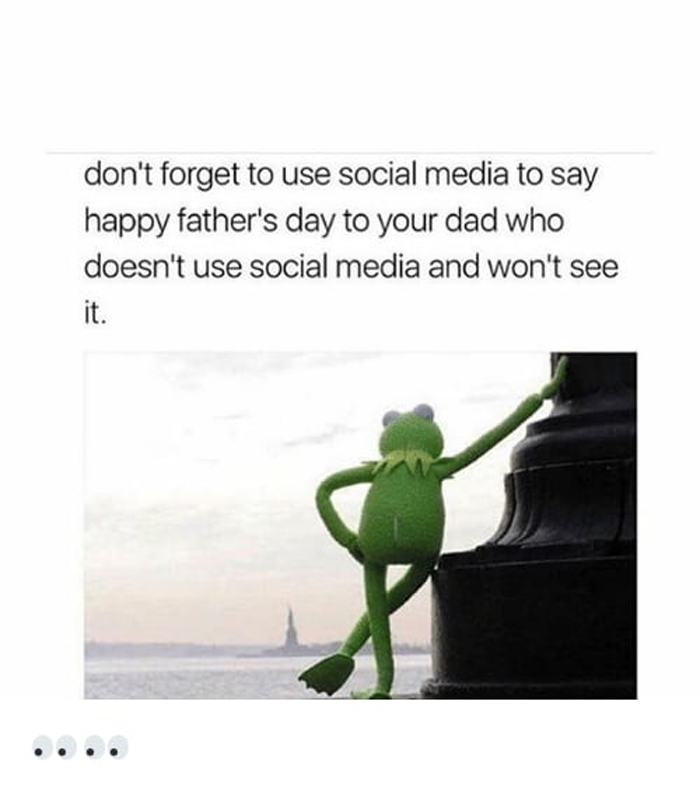 greeting-dad-who-does-not-use-social-media-struggles