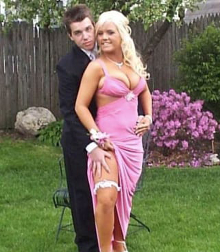 too-sexy-outfit-hilarious-prom-photos
