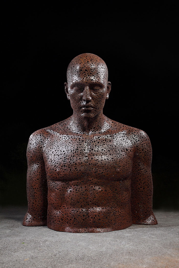 chain sculpture man