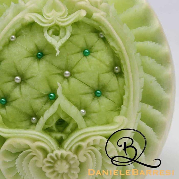 daniele-barresi-carving-melon
