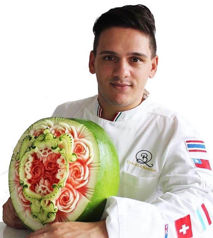 daniele-barresi-food-carving-watermelon