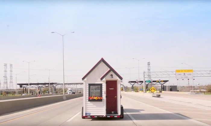 moving tiny home down highway