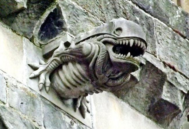 paisley_abbey xenomorph gargoyle
