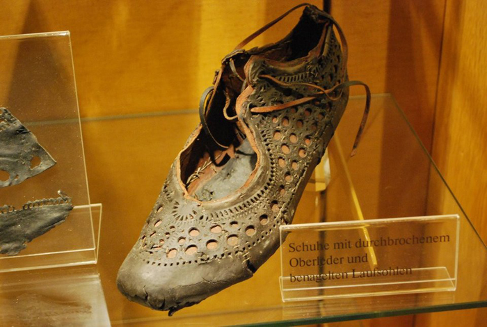 2000-year-old roman shoe saalburg