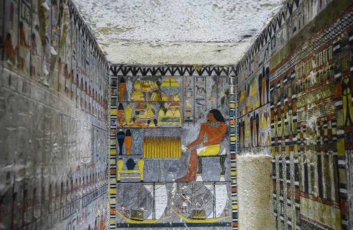 4000-year-old colorful tomb