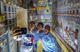 egypt tomb color 4000 years old