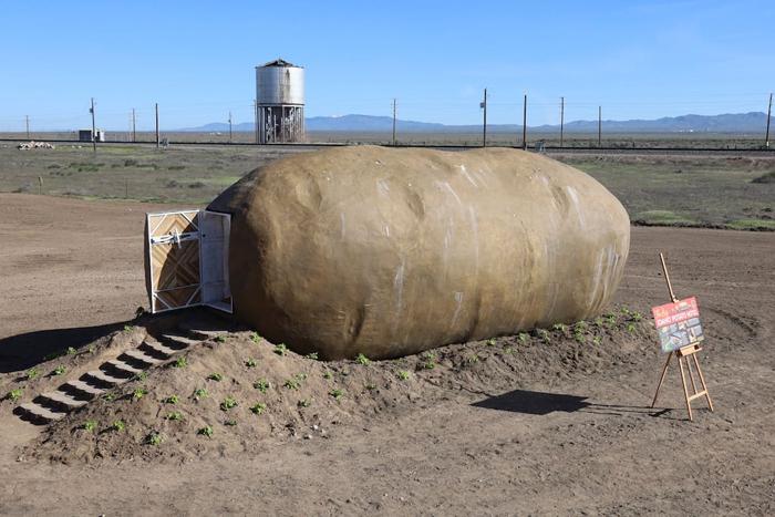 giant potato airnbnb exterior