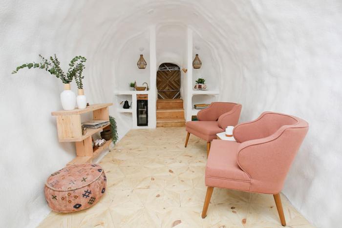 giant potato idaho airbnb interior