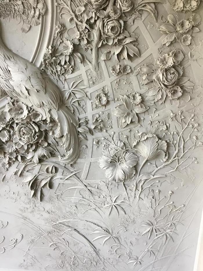goga tandashvili bas-relief sculptures intricate design
