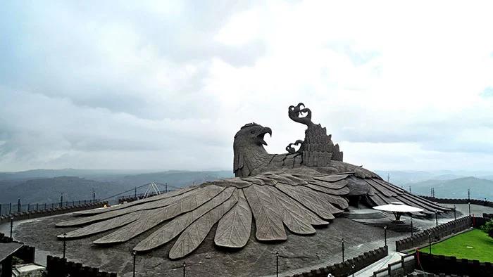jatayu eagle statue ramayana