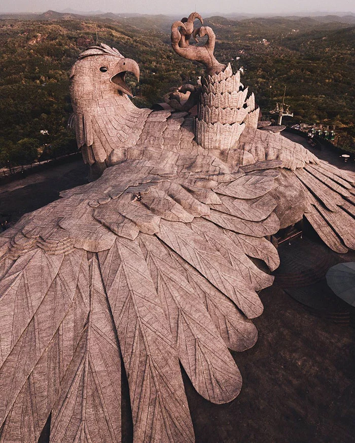 jatayu tallest bird sculpture