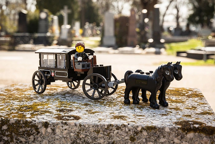 lego funeral set horse buggy