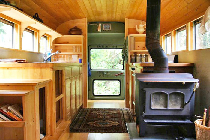 mobile home with traditional oven
