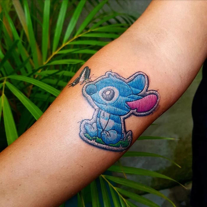 040c48b80 Brazilian Tattoo Artist Does Embroidery Tattoos And They Look Amazing