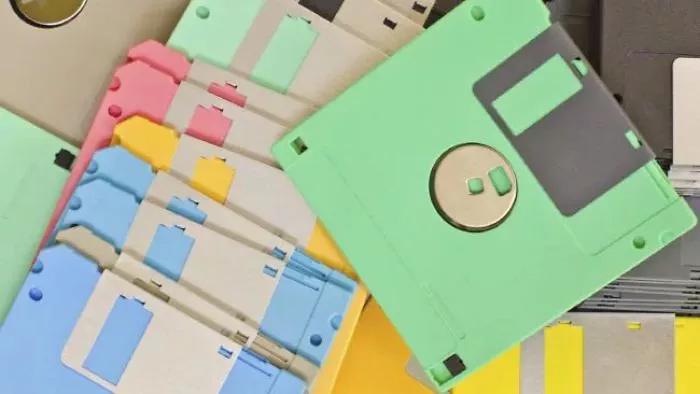 90s kids struggles floppy disks