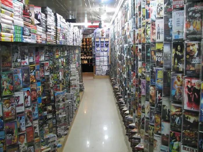 90s kids struggles video store