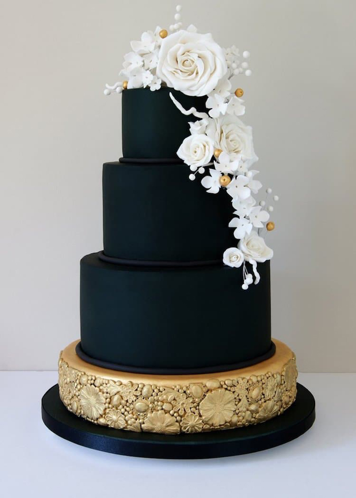 black wedding cake gold base