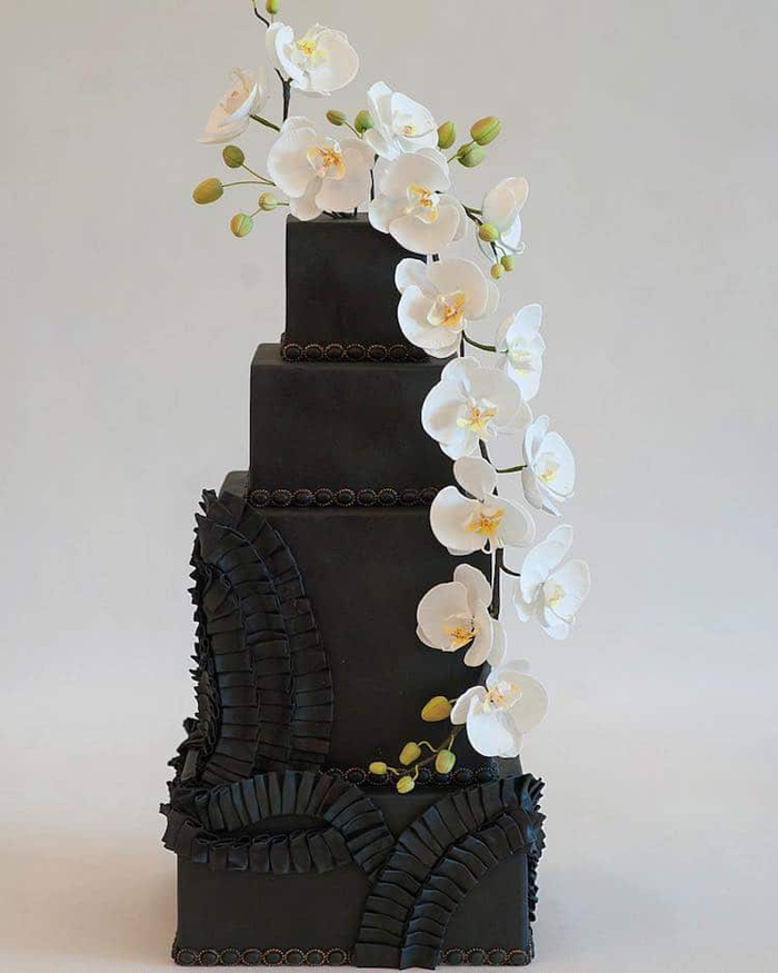 black wedding cakes heartsweet