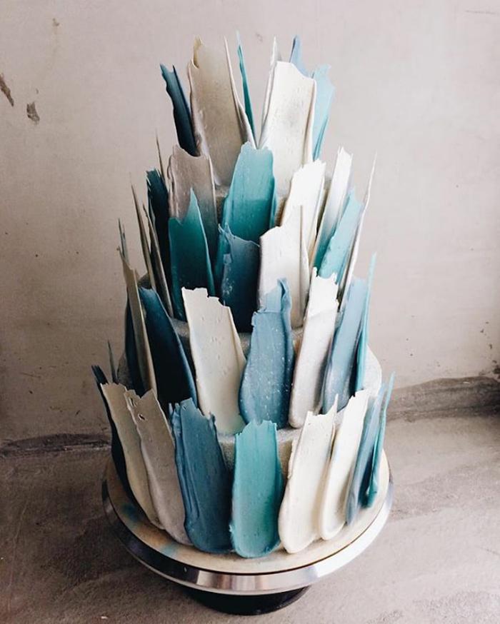 brushstroke cakes blue white colors