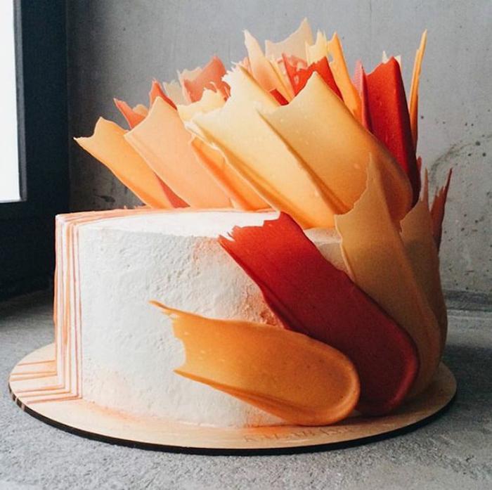 brushstroke cakes coral hues