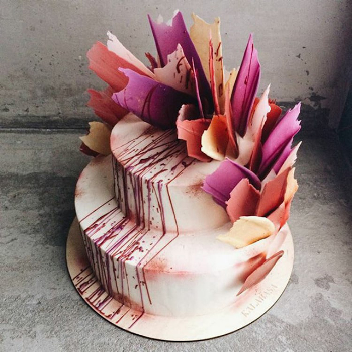 brushstroke cakes with paint splatters