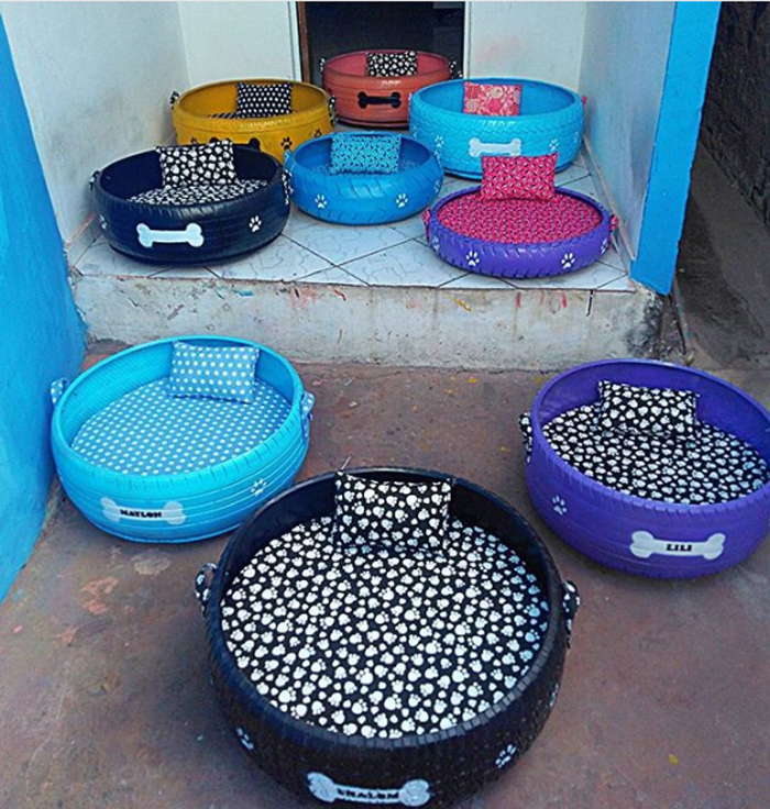 caominhas pets tire beds colors