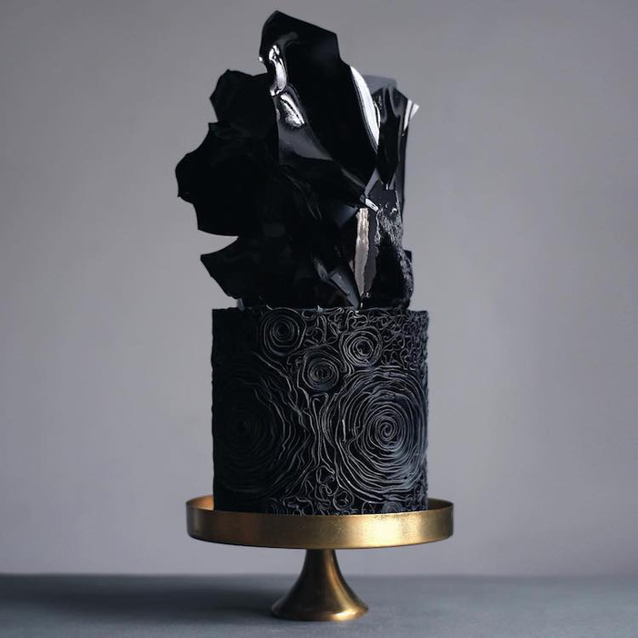 dark black wedding cakes
