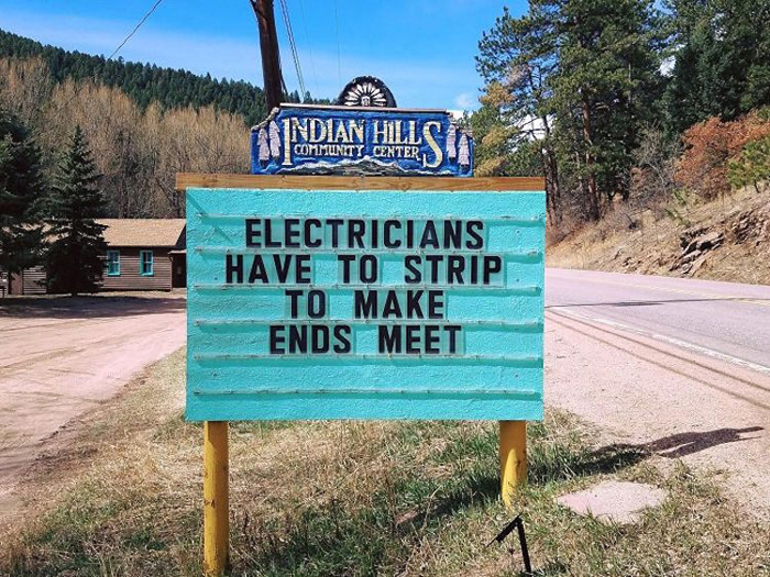 electricians joke pun sign