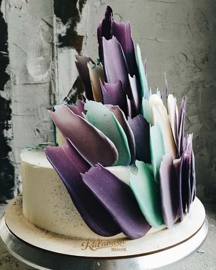 kalabasa brushstroke cakes single-layered
