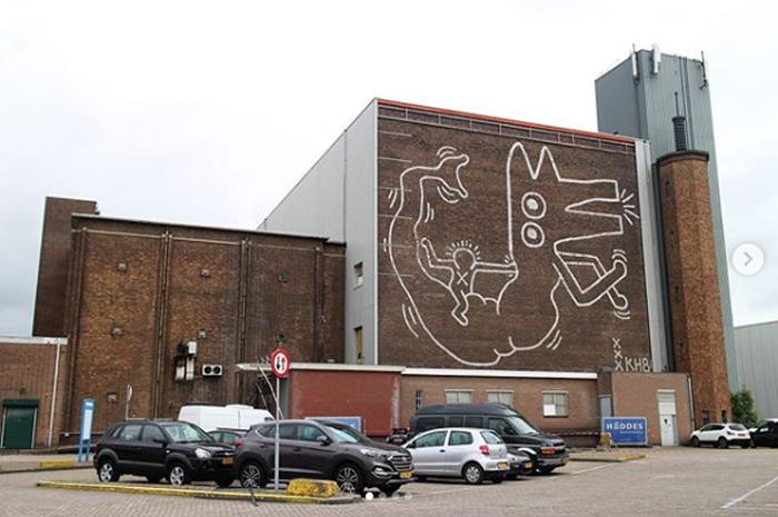 keith haring monumental mural amsterdam sashabogojev