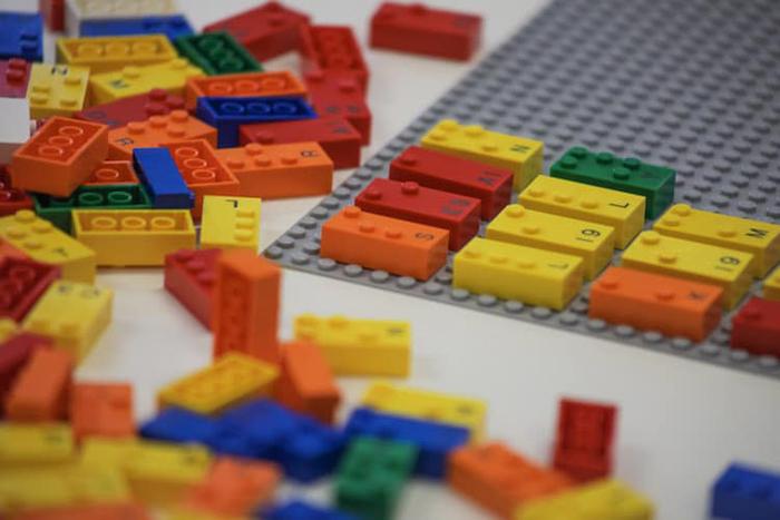 lego braille bricks printed label
