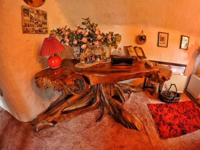 real-life hobbit house interior furnishings