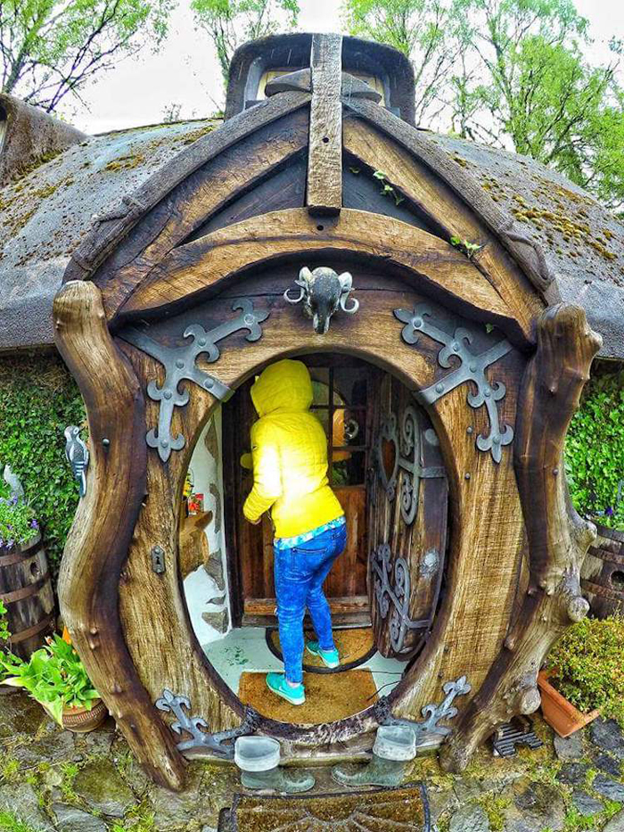 real-life hobbit house round door